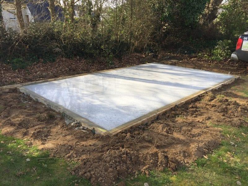 Les Abris de l'Ouest - réalisation d'une dalle béton pour un abri de jardin